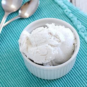 Sockerfri vaniljglass av kokosmjölk