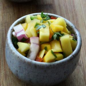 Mangosalsa med chili och gräslök